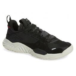Delta Sneaker