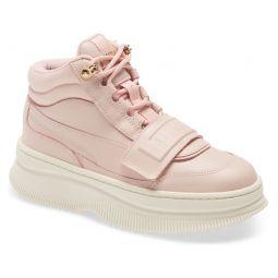 Deva Sneaker