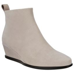 Shape 45 Wedge Ankle Bootie